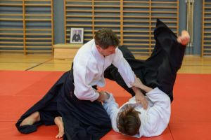 Aikidotraining mit Frank Koren in Linz & Kremsmünster im April 2019 - AikidoTraining-Linz-Koren-Frank-2019-04-9157.jpg -