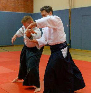 Aikidotraining mit Frank Koren in Linz & Kremsmünster im April 2019 - AikidoTraining-Linz-Koren-Frank-2019-04-9206.jpg -